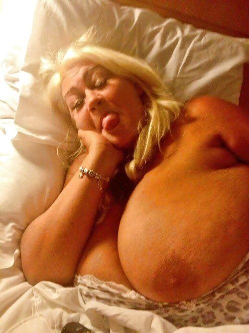 women boobs suck gifs