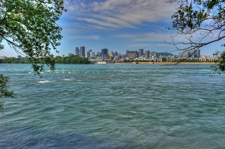 Montréal vue de l'île Sainte-Hélène // Montreal as sen from St. Helene's Island Photo : Denis Labine - Ville de Montréal