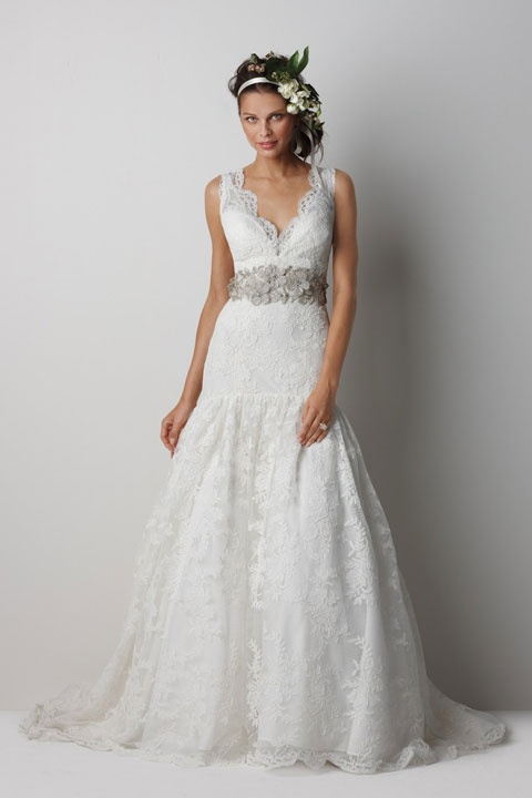 V-neck trumpet / mermaid lace bridal gown
