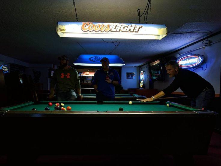 Traditional holiday light show. #SloppySantaBus #familytradition #divebar #divebarhop #xmas #familyxmas #happyfuckingholidays #bar #pooltable