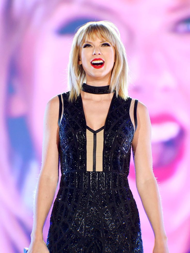 SHE'S BACKKKK || Taylor Swift || Circuit of The Americas in Austin, TX || 10.22.16 #USGP
