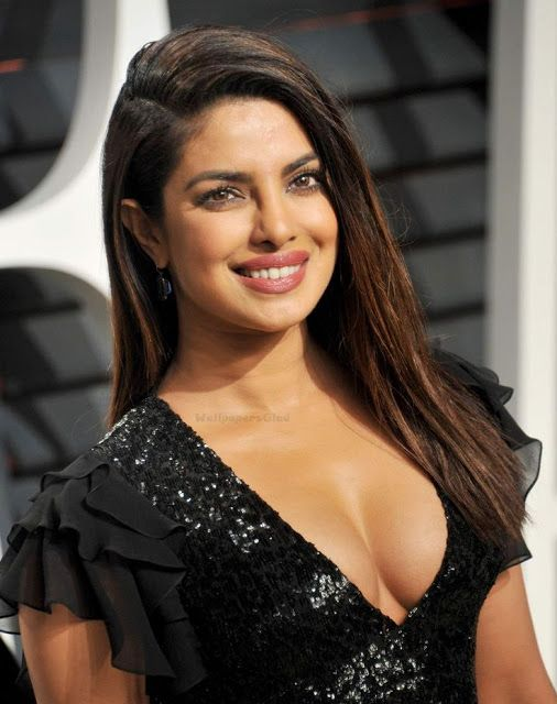 Priyanka Chopra Deep Cleavage Show Deep Cleavages Queens Photos