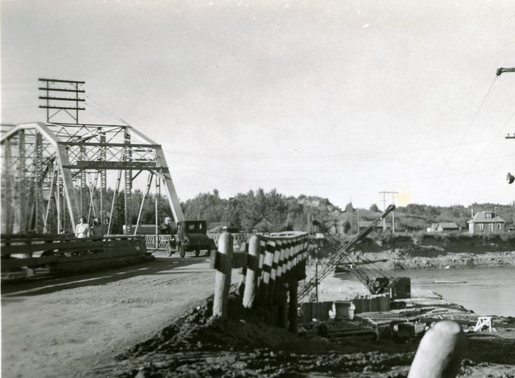 The old Geatz Ave traffic bridge. You can see the beginnings of the piers for the new Gaetz Ave bridge on the right hand side of the photo. 1946 Red Deer, AB