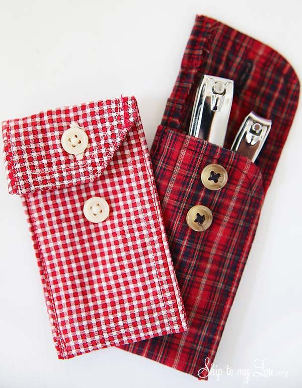 DIY Recycled Shirt Cuff Pouch! Such a fun way to give gift cards, and other small gifts for the holidays!