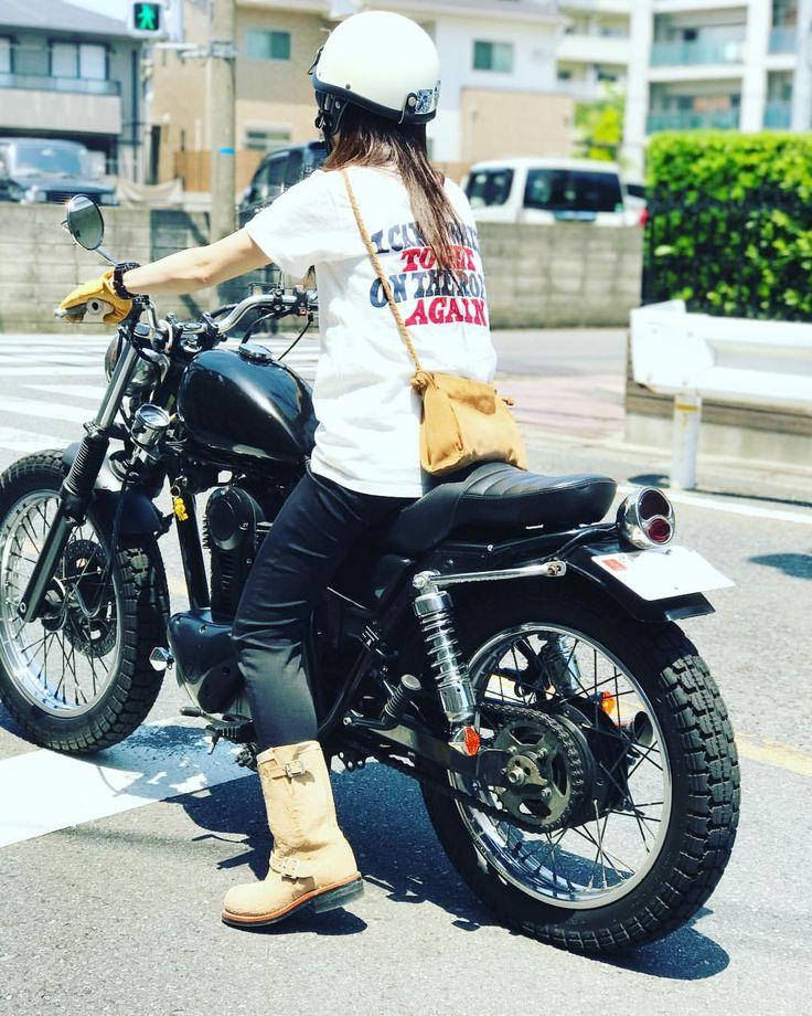 いいね!433件、コメント73件 ― Yumi さん(@lalami_lui819)のInstagramアカウント: 「オシャレのためなら寒さも我慢とか言うとられんがな‼︎ 電熱ウェアのおすすめ教えて下さい #250TR #バイク女子」