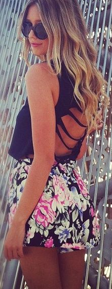 floral: Cutouts, Floral Prints, Floral Skirts, Floral Shorts, Shirts, Summer Outfits, Flowers Shorts, Cut Outs, Open Back