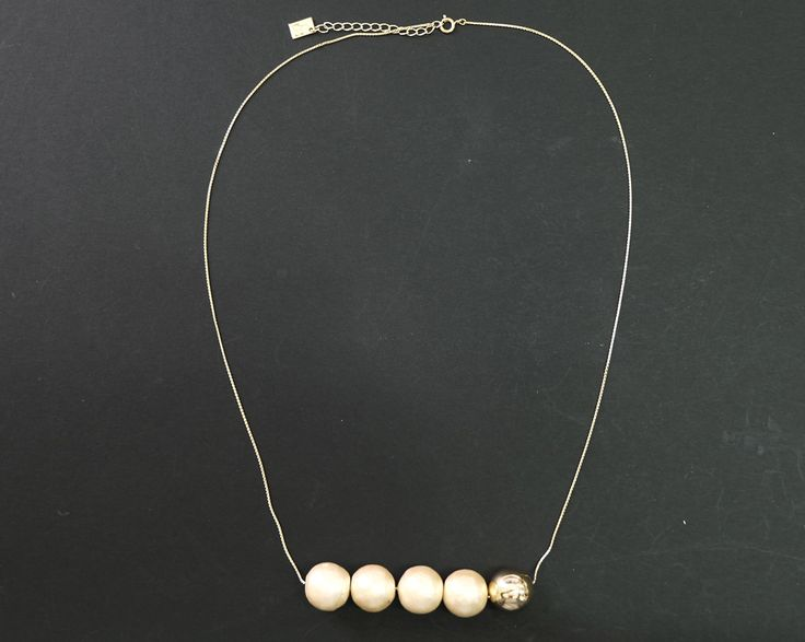 Cotton Pearls Necklace Gold http://www.megapui.com/index.php?id_product=349&controller=product&id_lang=1#/color-gold