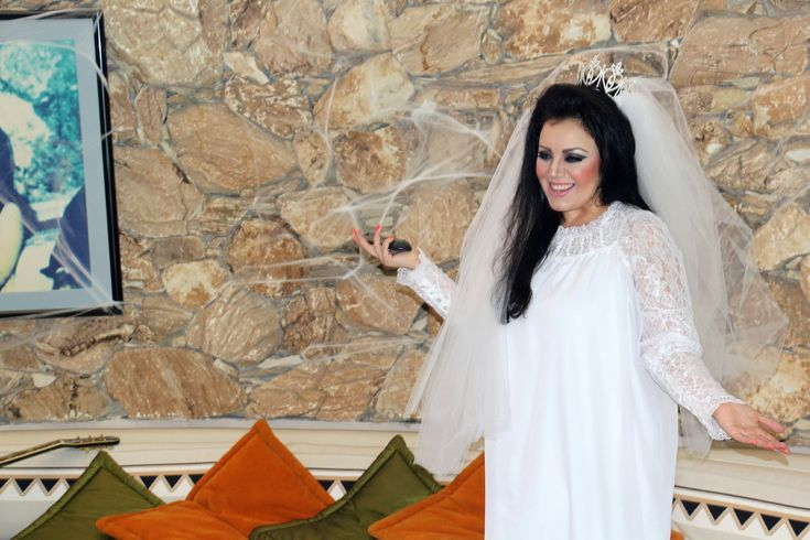 99+ Priscilla Presley Wedding Dress Replica - Women's Dresses for Weddings Check more at http://svesty.com/priscilla-presley-wedding-dress-replica/