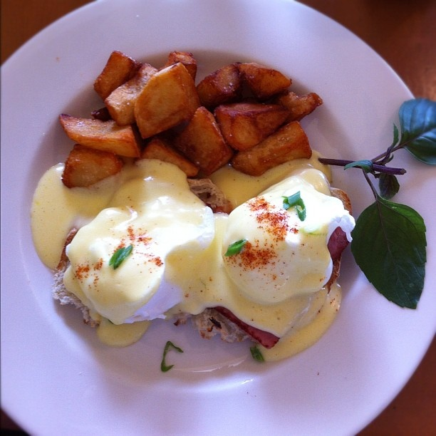 If you haven't noticed I love Eggs Benedict for breakfast. Had this the other morning @moanacafe in #Paia after another marathon bottling session. It was so #Ono Chef James and staff did a great job. It was delicious in its own right but I added on some #Adoboloco #Bangkok I'm #addicted! #MahaloChefs James, Marathons Bottle, Ono Chefs, Egg Benedict, Mornings Moanacaf, Adoboloco Bangkok, Addict, Bottle Session, Eggs Benedict