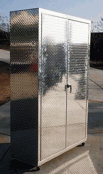 Awesome 6 Foot Diamond Plate Storage Cabinet