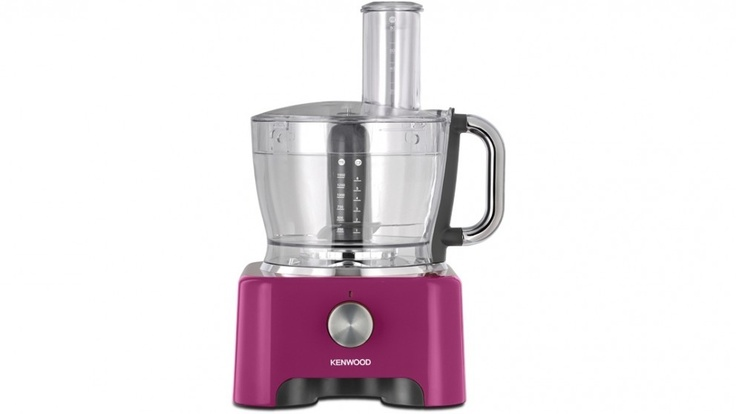 The Kenwood kMix Food Processor is a stylish, fun design that will be a great addition to your kitchen. Featuring a powerful motor, large mixing bowl, and a variety of attachments to help you get exactly what you want out of your ingredients, you can now look good and make good food while doing it.