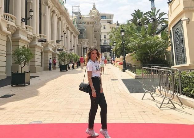 Αθηνά Οικονομάκου: Κάνει tour με τον καλό της στη νότια Γαλλία! [pics]