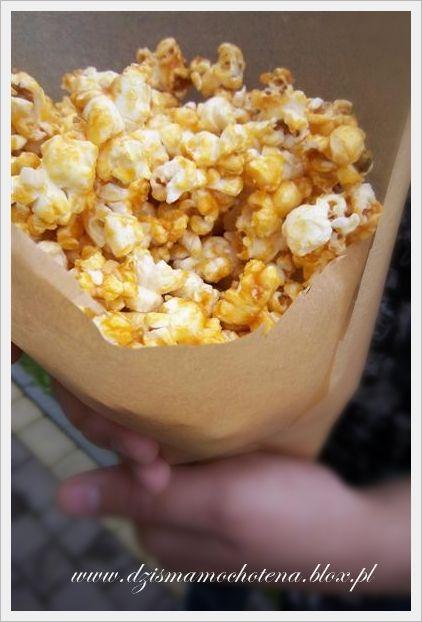 popcorn w karmelu <3