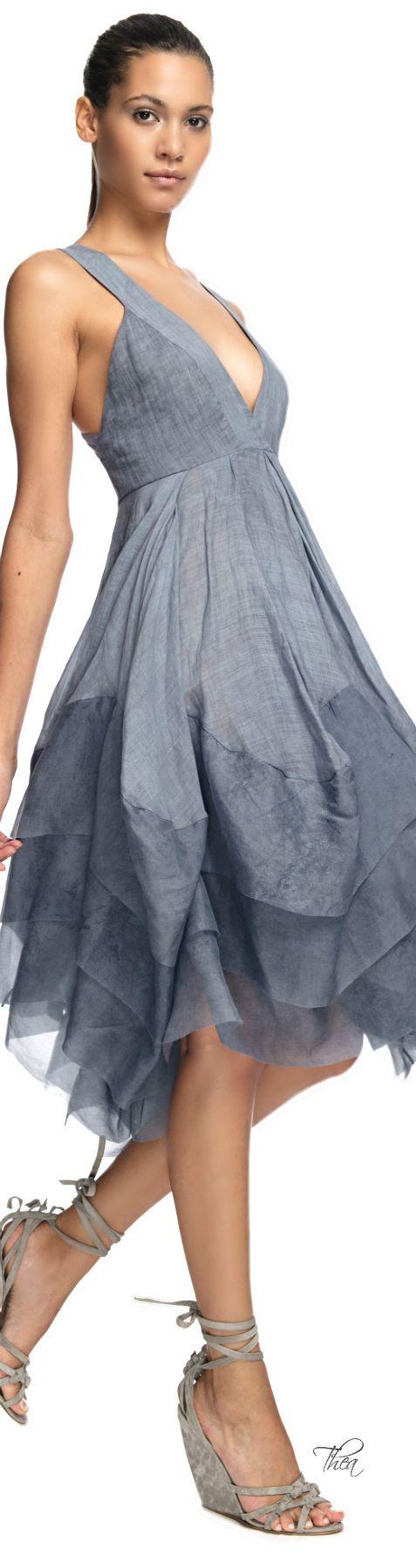 < Donna Karan ● Crisscross Pleated Dress