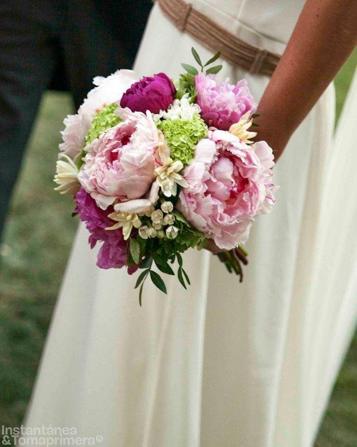 Ramo de novia con peonias vibornium y boubardia bridal - Ramos de calas para novias ...