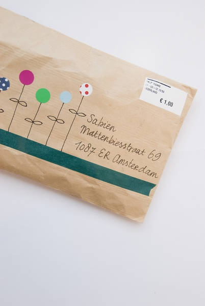 Envelope garden - just use dots of confetti and a bit of doodling to create a unique and pretty envelope.