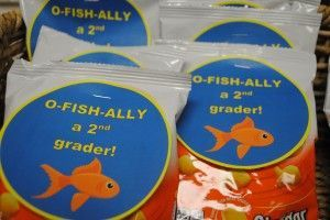 O-Fish-Ally a 2nd Grader How adorable are these Treat Toppers - includes kindergarten, 1st, 2nd and 3rd grades. I love finding cute diy free printables!