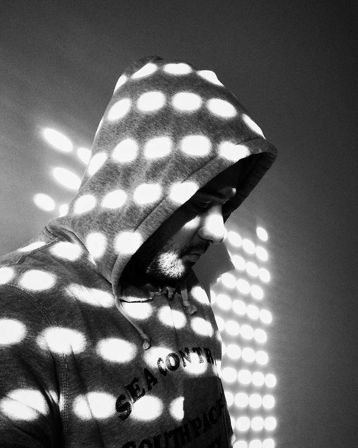 No es #selfie es un #autorretrato. #bnw #blackandwhite #blancoynegro  #selfportrait #igblacknwhite