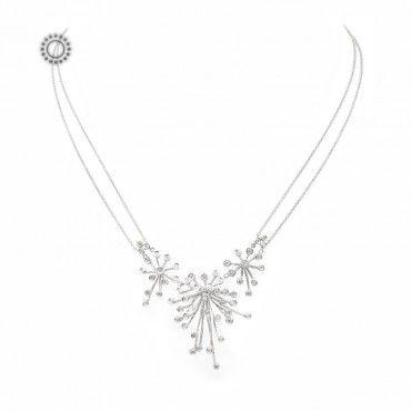 Μοντέρνο γυναικείο κολιέ που θυμίζει τσαμπιά από σταφύλια με ακτινωτά μονόπετρα διαμάντια στο κέντρο και διπλή αλυσίδα | Κόσμημα ΤΣΑΛΔΑΡΗΣ Χαλάνδρι #μονοπετρα #τσαμπι #διαμαντια #λευκοχρυσο #κολιε