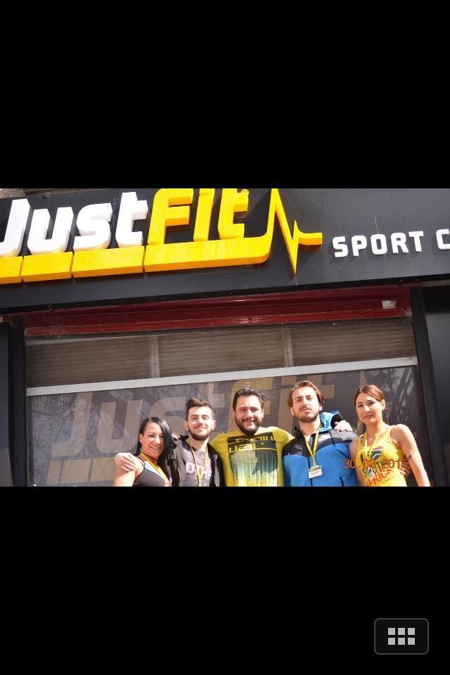 Birimiz hepimiz, hepimiz birimiz için. Kadıköy'ün göbeğinde spor yap: Join Us, Stay Fit. #JustFitsportcenter