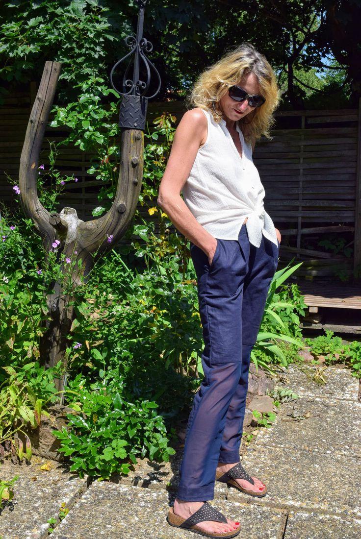 Juniper Hose von Anniways Schnittmuster. Von mir aus Leinen und mit transparenten Chiffoneinsätzen am unteren Hosenbein gestaltet.