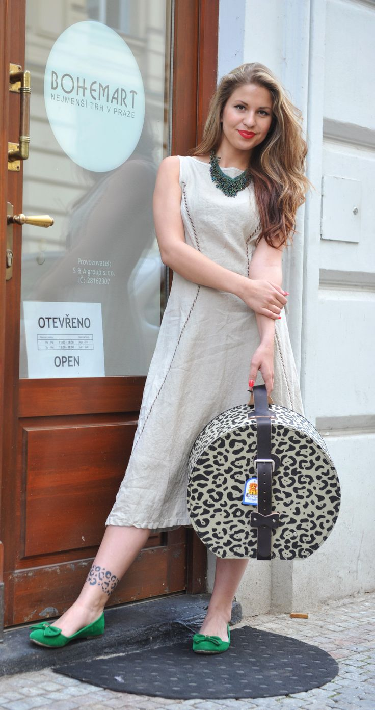 Linen dress Kobra Mode, suitcase Kazeto  #czechfashion #prague #czech #pragueshopping #czechdesigners #czech designers #fashion #love #accesories #bags #chic #boho #style #instyle #homedecor #localfashion #local products #no fur shop #outfit #whowearus #howtowearit #hippie #elegant #gypsy #citylook #quality #folk