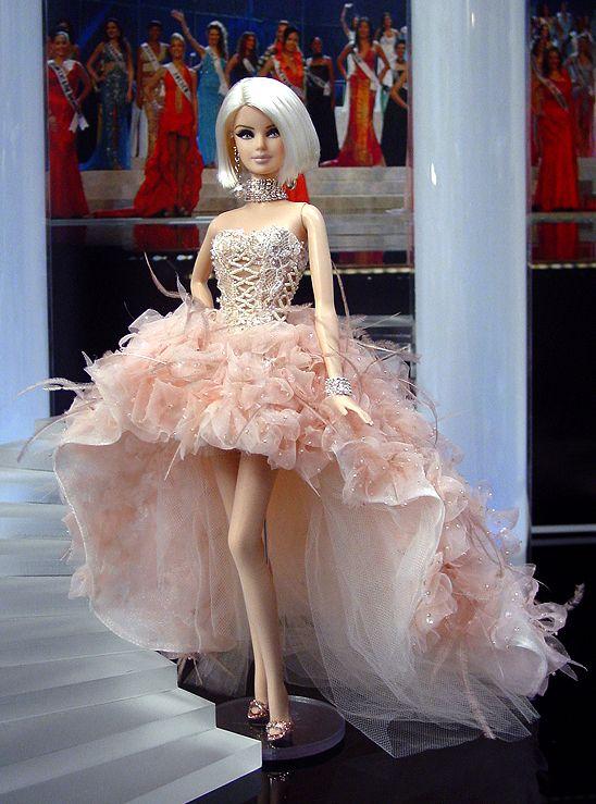 Loooooooove. I want to be this for Halloween. Ninimomo Miss Finland 2011 ooak barbie