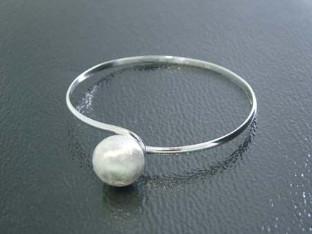 925 Sterling Silver Linked Design Bangle w/ Pearl (Order)