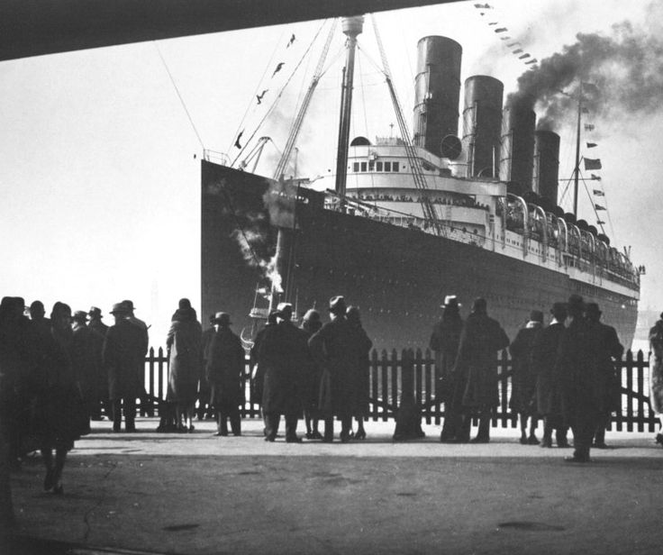 RMS Mauretania. she had her maiden voyage in 1907 and held the Blue Riband for speed for a record 20 years. She worked as transport and hospital ship during WW1 and during her long caree at sea made 269 double crossings of the Atlantic. Her last crossing was in 1934 and the ship was broken up the following year.