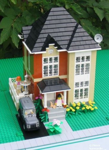 Dark orange and tan house: A LEGO® creation by Pierre Normandin : MOCpages.com