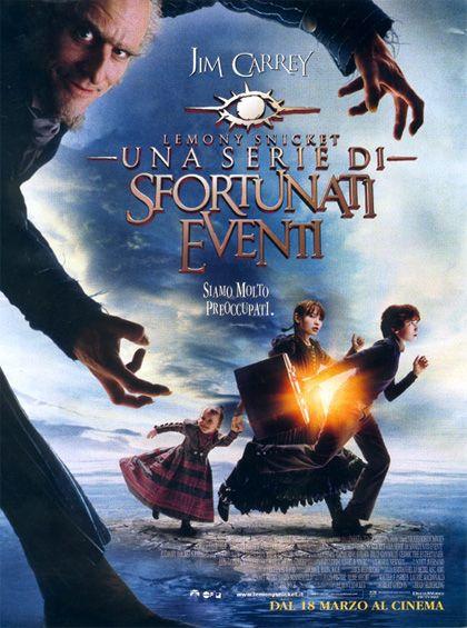 Lemony Snicket - Dreamworks. Geniale e gotico. Lussuoso ed immediato. Il viaggio di tre orfani, in un atmosfera rarefatta e drammatica. Jim Carrey è qui in una forma smagliante.
