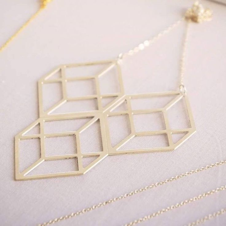 It's all about Geometry! #ozonboutique #ozonstyle #plate #necklace #moodlikeme #shop #sale