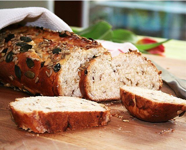 Ha egy érdekes édes-sós-olivás-zabpelyhes #kenyérre vágysz ezt süsd meg. :) :) Direct link for my latest post in my bio! gastrogranny.com #tudatosantáplálkozok #tudatosantáplálkozók #gastrogranny #gastrogrannyblog #homemade #makeyourdishescometrue #instafood #foodstagram #mutimiteszel #mutimitfozol #foodie #mikgasztro #instafood #foodblogger #foodporn #foodofhun #huffposttaste #feedfeed #f52grams #magyarig #hungarianfood #cracklings #myfoodstories #ourfoodstories #apetitjournal…