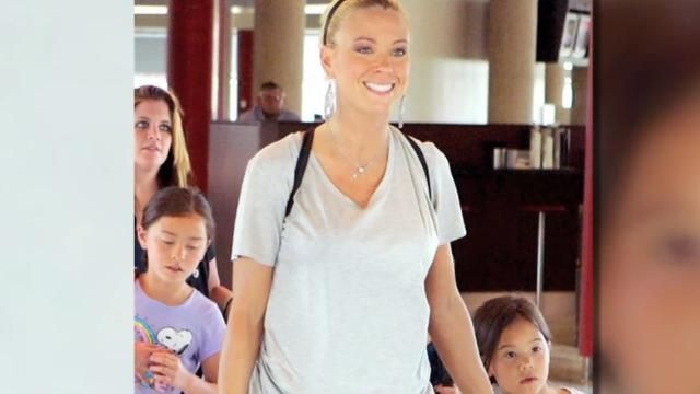 """VIDEO: Kate Gosselin's Eight Children Traumatized by """"Celebrity Wife Swap"""" - http://bestfreeonlinearticles.com/arts-entertainment/video-kate-gosselins-eight-children-traumatized-by-celebrity-wife-swap/"""