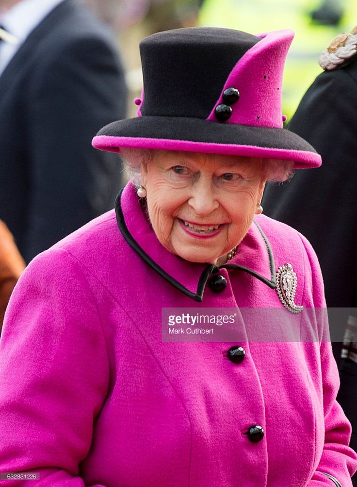 Queen Elizabeth II attends The Fiji Exhibition at the University of East Anglia on January 27, 2017 in Norwich, United Kingdom.  (Photo by Mark Cuthbert/UK Press via Getty Images )