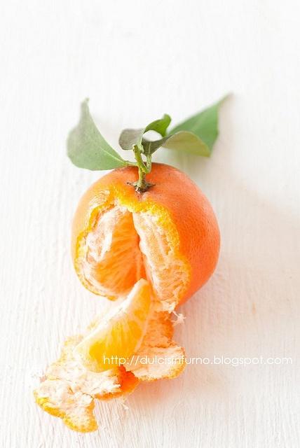 Mandarino: la sua buccia è ricca di limonane (principio antiossidante) che ha la caratteristica di ritardare l'invecchiamento della pelle #rimedinaturali