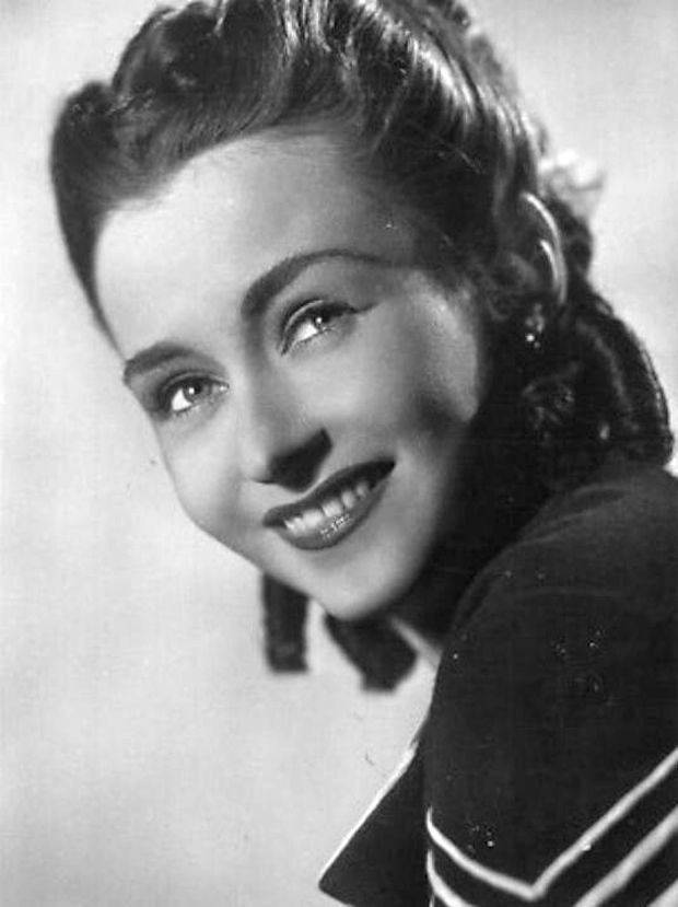 Beautiful Czechoslovak actress Hana Vitova (1914-1987).