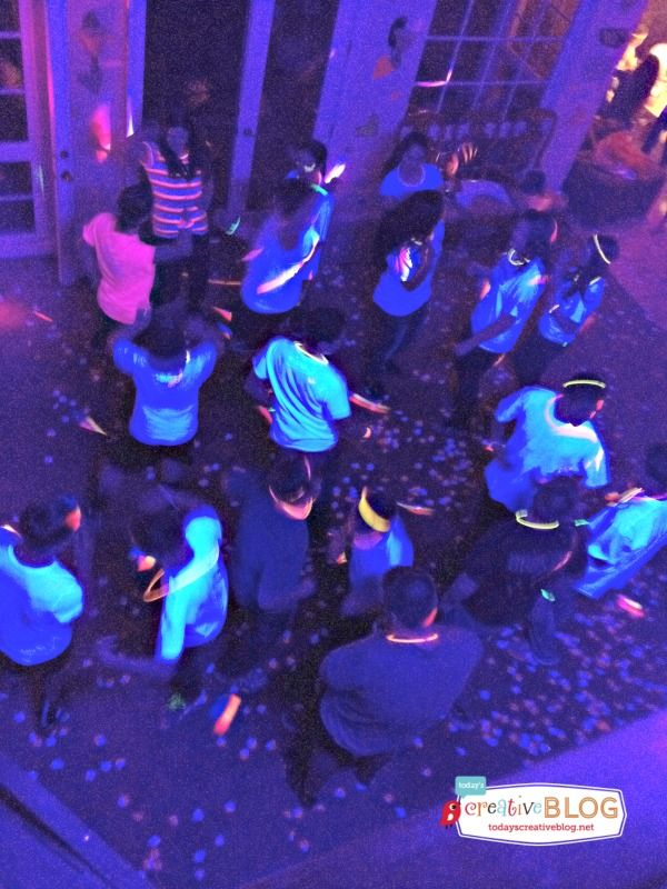 neon birthday party for teens.  I like the idea of white shirts that the guys get to autograph with glow in the dark markers.