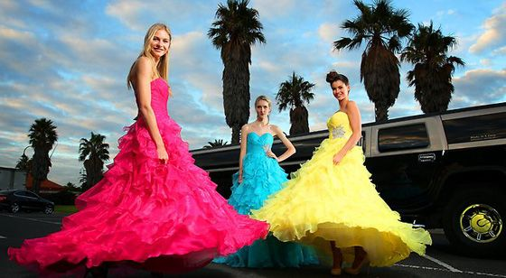 Fantasy limo is providing the services to hire the limo in Melbourne Australia.