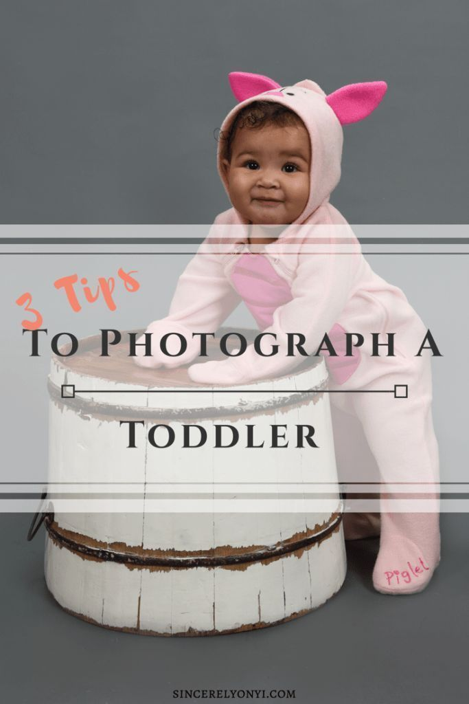 Taking pictures of toddlers can be challenging. While taking a Family Portrait at Portrait Innovations I learned 3 tips on getting the best pictures with your kids. #familyportrait #familypicture #poses #pictureswithtoddlers #halloween #falltheme