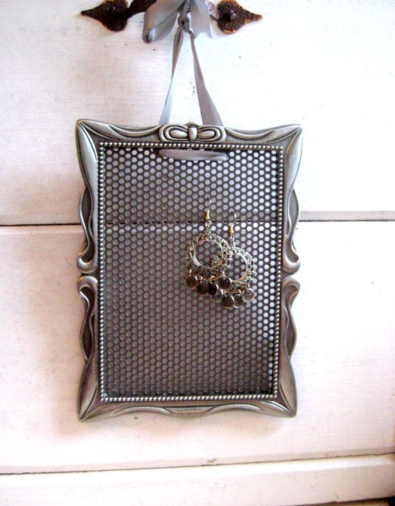 Earring Holder display your earrings in this by jensdreamdecor