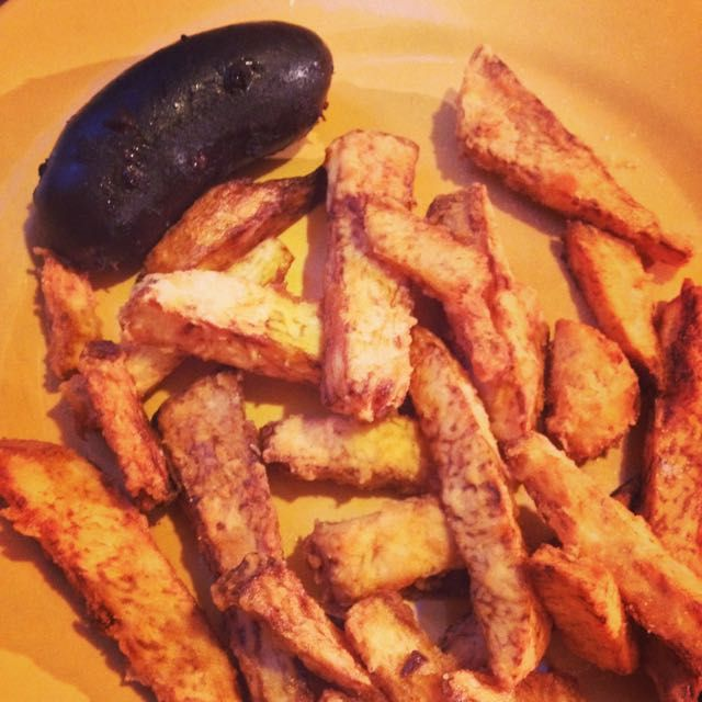 Frites d'igname et boudin Antillais - Fried yam Antilles' Blood sausage #frites #igname #boudin #antilles #cuisine #food #homemade #faitmaison #yummy #cooking #eating #french #foodpic #foodgasm #instafood #instagood #yum #amazing #photooftheday #sweet #dinner #fresh #tasty #foodie #delish #delicious #foodpics #eat #hungry #foods #français #platprincipal #salé