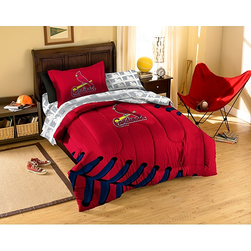 St. Louis Cardinals bedding if I ever have a boy this would be so cute in his room.