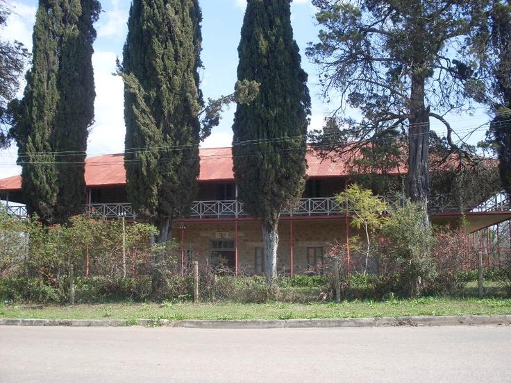 Una de las centenarias construcciones que dan su clásico perfil histórica a la localidad de Conchillas, en el Departamento de Colonia.