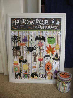 Halloween Countdown Calendar. Add numbers this year!Countdown Ideas, Christmas Countdown, Crafts Patches, Countdown Calendar, Christmas Training Crafts, Halloween Countdown, Advent Calendar, Halloween Ideas, The Crafts