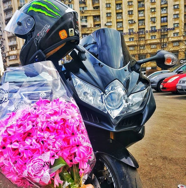 Happy Valentine's Day babe!  #ValentinesDay #love #LifeStyle #motorcycle #motorbike #motopassion