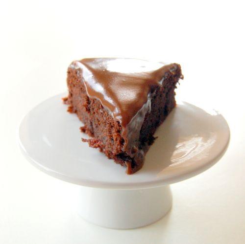 Moist, dense beetroot & chocolate cake with a homemade ganache