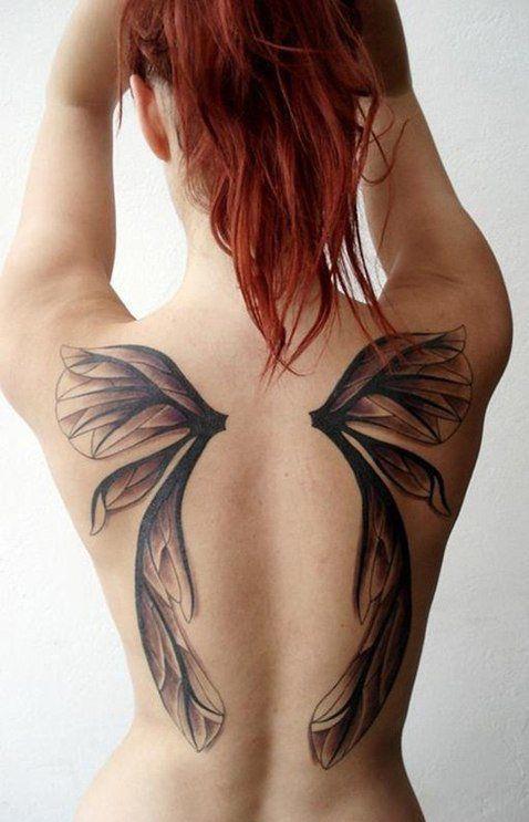 Tatuaż skrzydełka na łopatkach