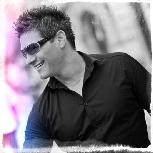 Come discover Discography / Complete Biography Kriss Kawan now on Beatport.com!    Viens découvrir la Discographie / Biographie Complète de Kriss Kawan maintenant sur Beatport.com !