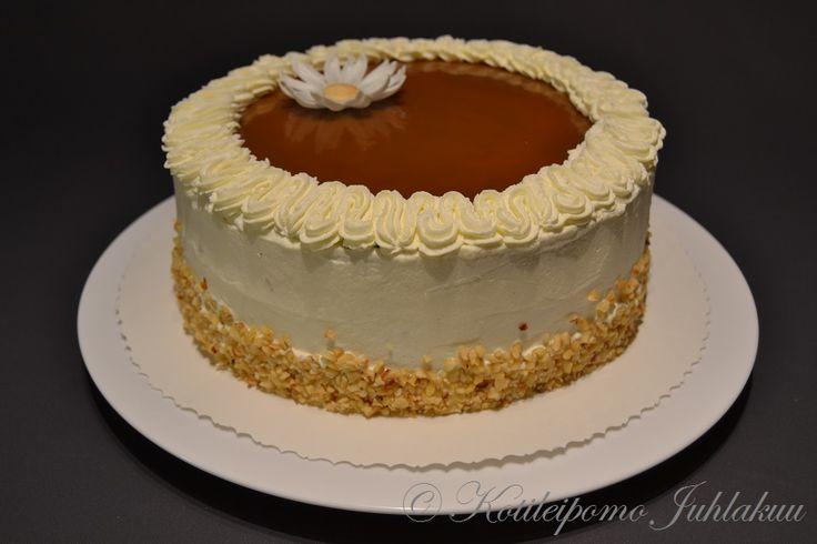 Caramel cream cake